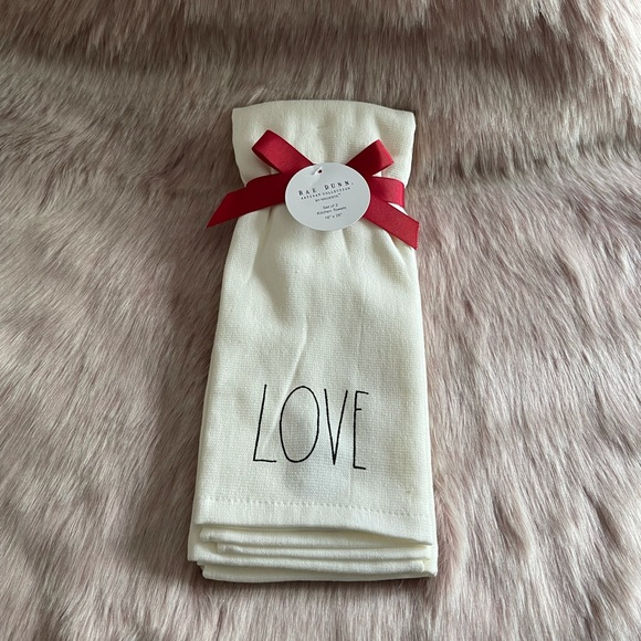 RAE DUNN  |  LOVE Kitchen Towel Set